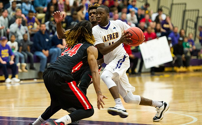 Mens basketball rallies late to top ithaca alfred university pat mclamore publicscrutiny Choice Image